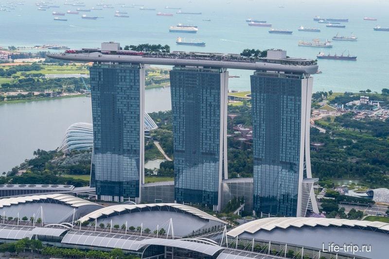 Вид на отель Marina Bay Sands