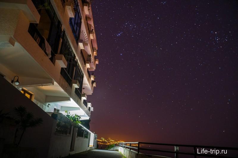 Каждую ночь небо просто ломилось от звезд