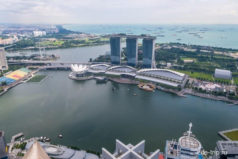 Cмотровая площадка Marina Bay Sands в Сингапуре - самая известная