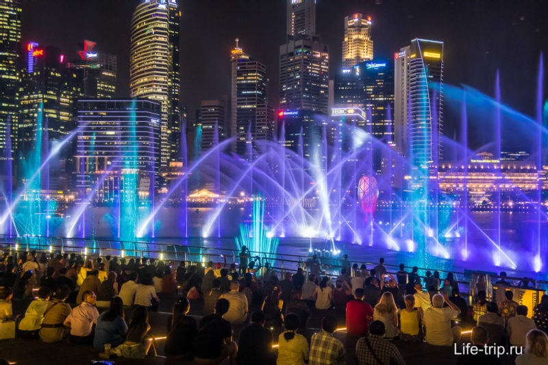 Лазерное шоу Spectra у Marina Bay