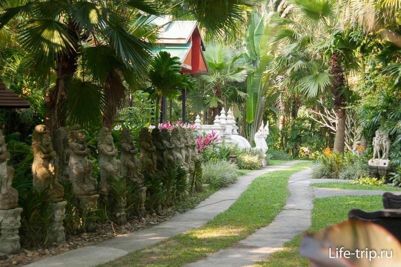 Dusit Dhewa - культурный центр на острове Самуи
