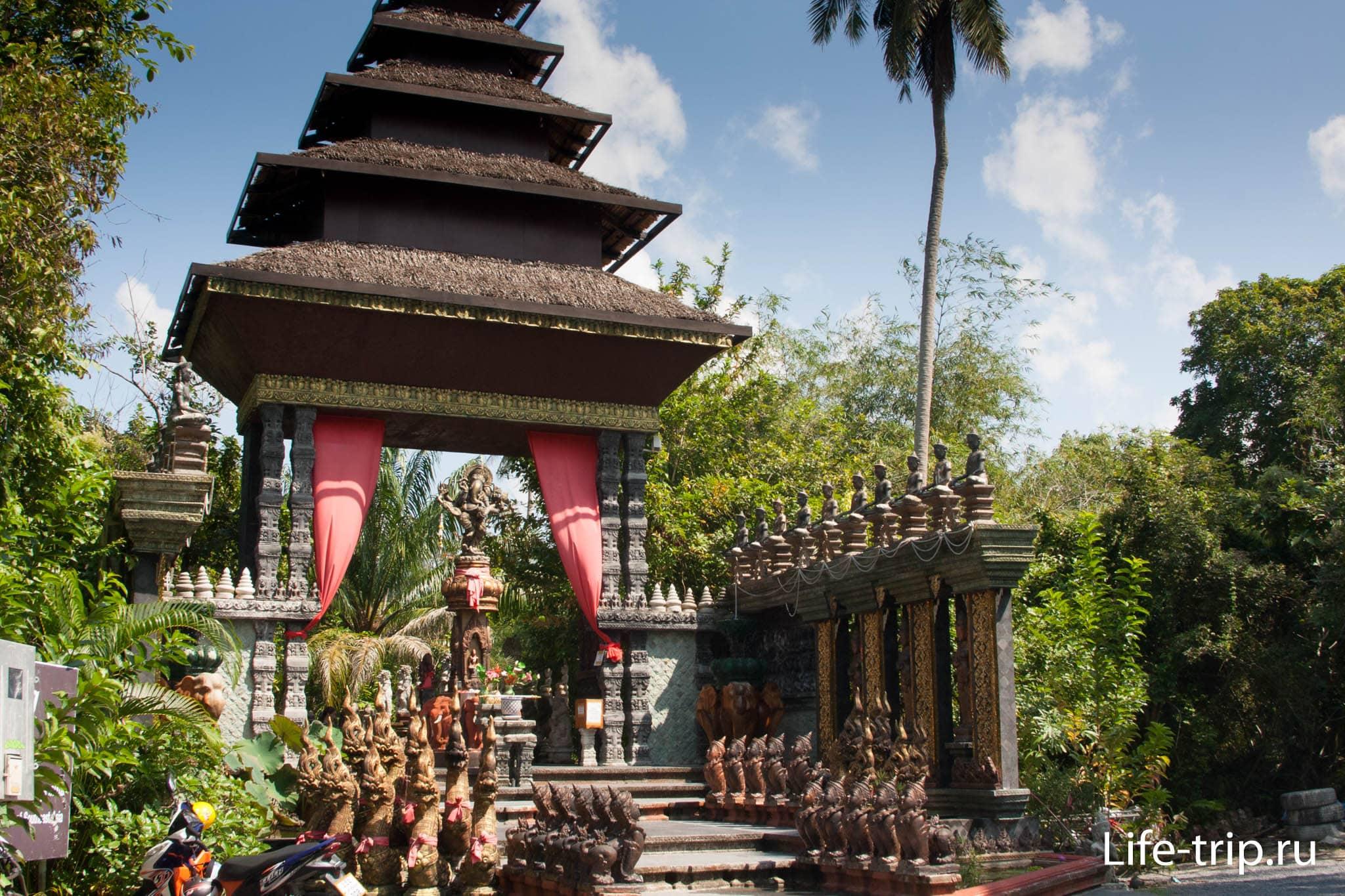 Культурный центр Самуи Dusit Dhewa