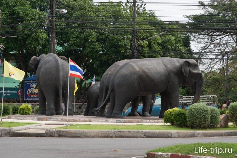 """Комплексная скульптура """"Слоновый цирк"""""""