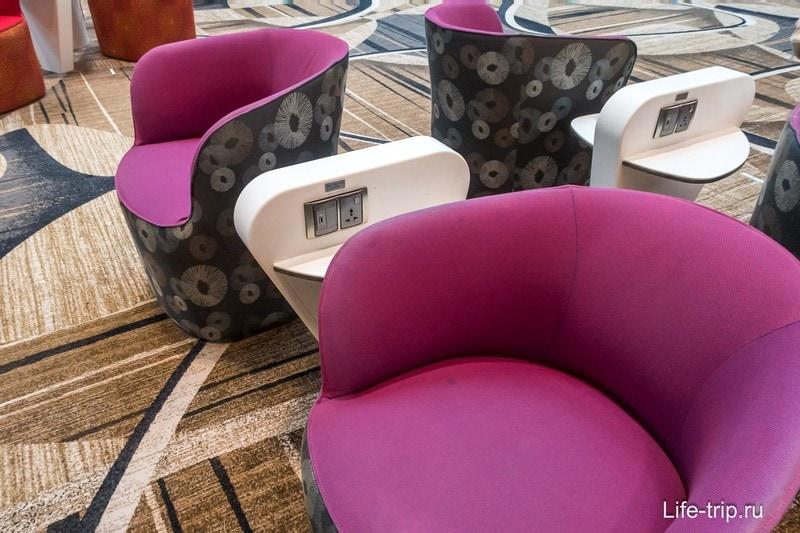 USB зарядка в каждом кресле