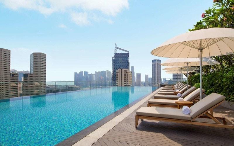 10 лучших отелей Сингапура с бассейном на крыше