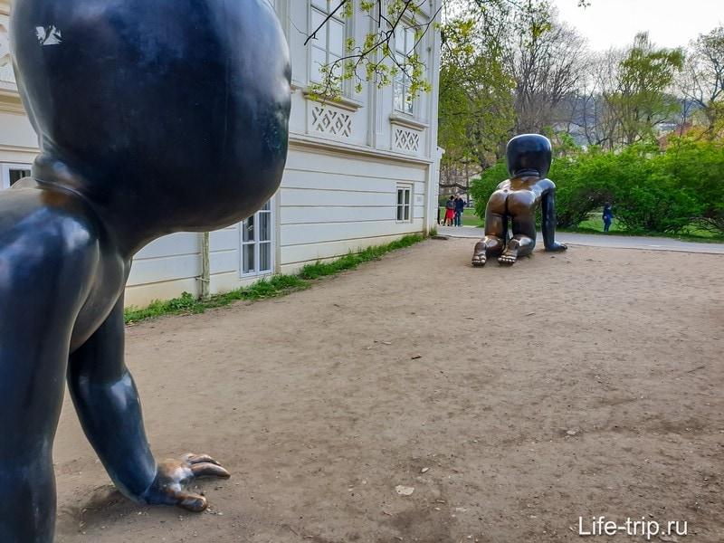 Скульптура Младенцы в Праге