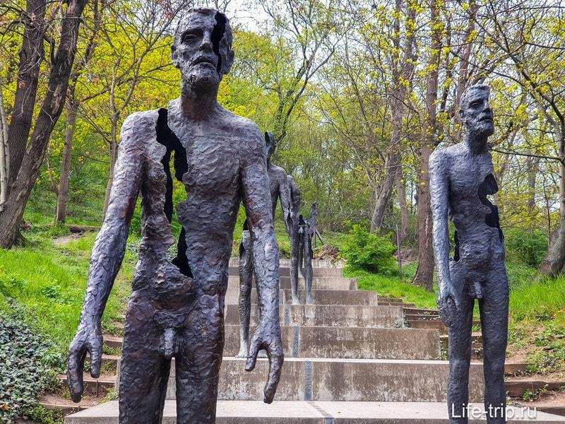 Памятник жертвам коммунизма в Праге - мрачная достопримечательность