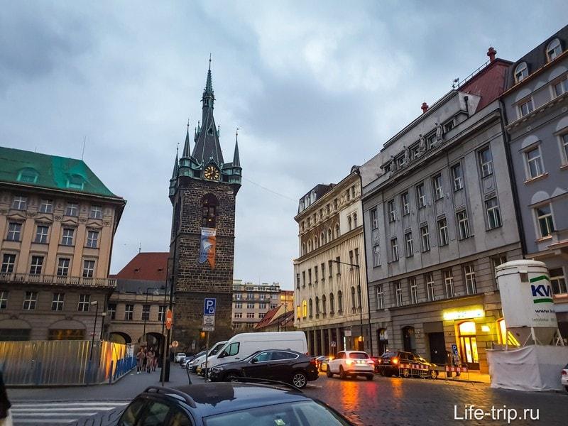Йиндржишская башня в Праге - смотровая площадка и бар