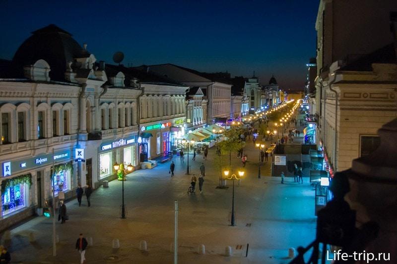 Вид на улицу Баумана в сторону Кремля