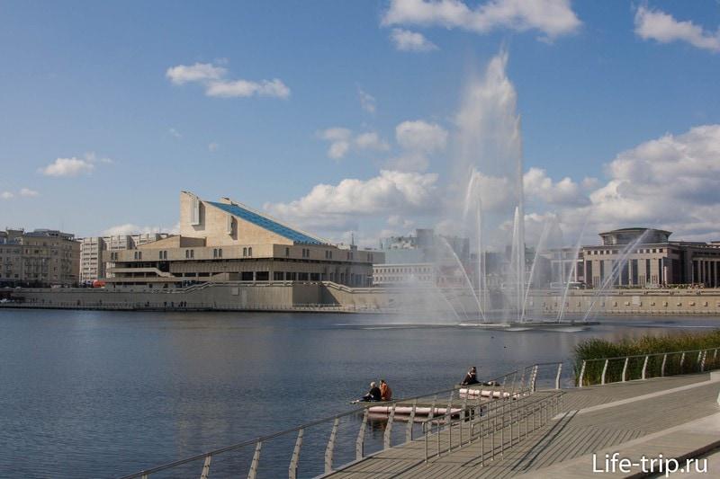 Озеро Кабан и Театральная площадь