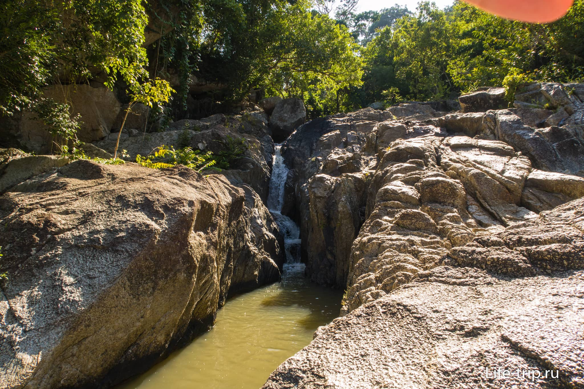 Daeng Waterfall на Пангане