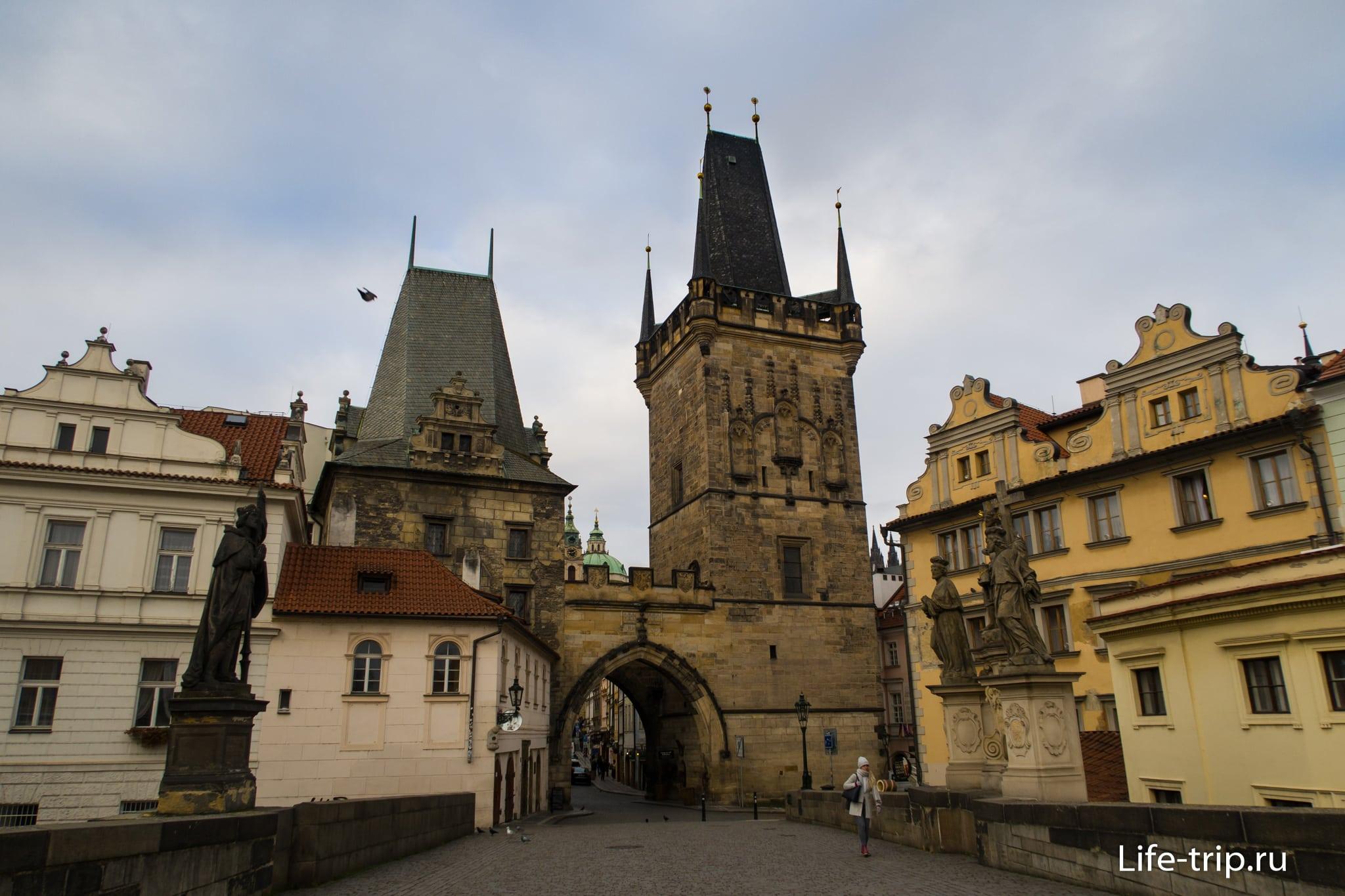 Малостранские мостовые башни в Праге