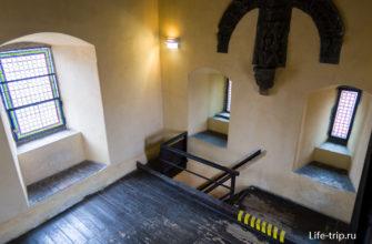 Последний этаж, перед выходом на смотровую площадку