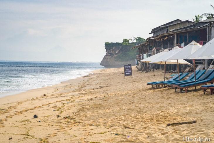 Пляж Баланган (Balangan Beach) на Бали – загорать и сёрфить
