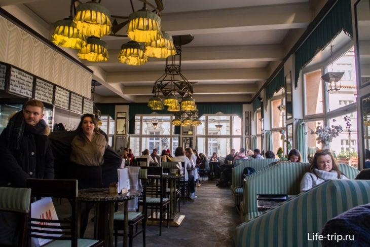 Гранд Кафе Ориент – кубизм и кофе в Праге