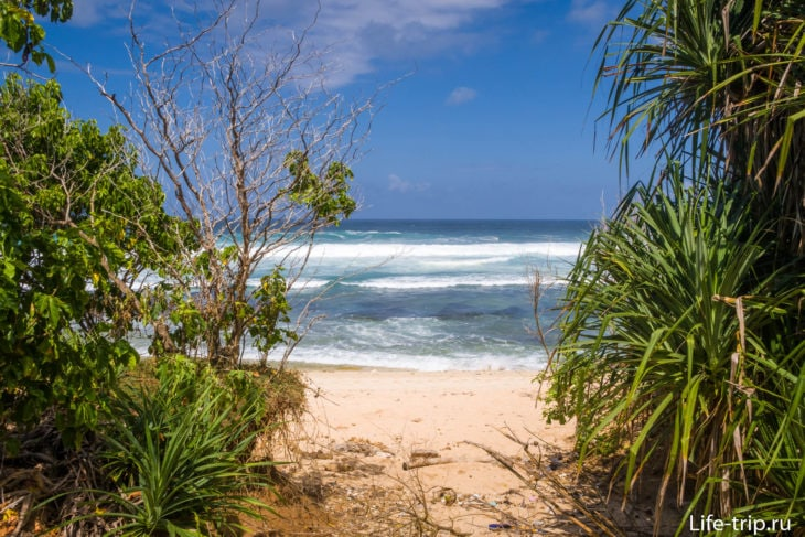 Пляж Нунггалан на Бали