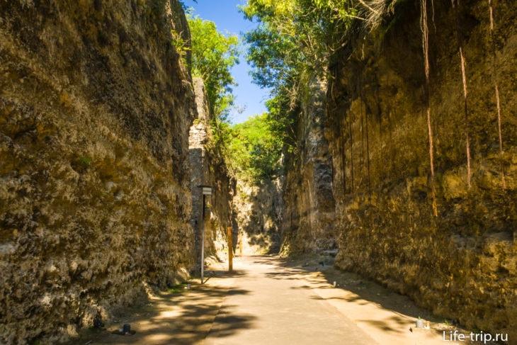 Гаруда Парк на Бали - каменный лабиринт GWK