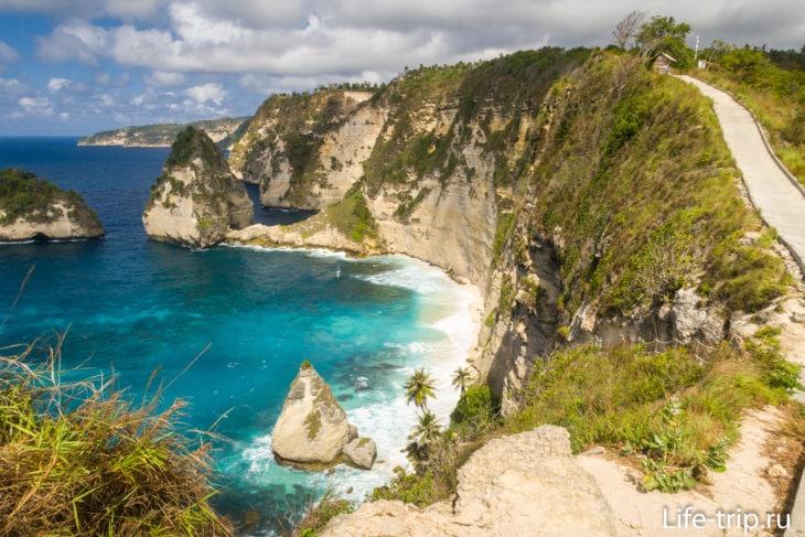 Оборачиваемся, и вот он: Diamond Beach Nusa Penida