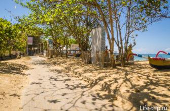 Пешеходная дорожка вдоль пляжа