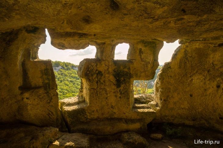 Пещерный город Чуфут-Кале вКрыму – как добраться, фото
