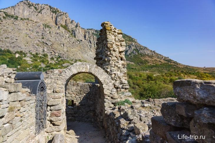 Внутри крепости Фуна