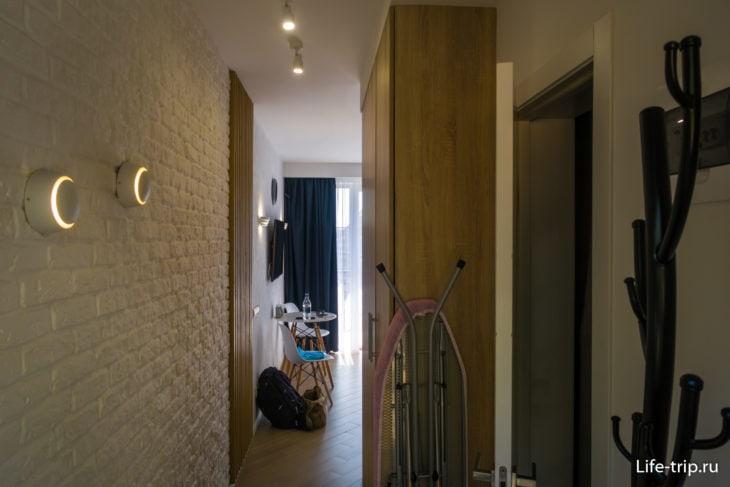 Квартира узкая, особенно коридор