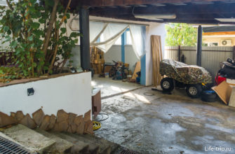 Цокольный этаж под апартами - гараж-мастерская