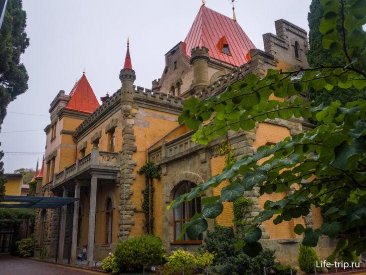 Дворец княгини Гагариной в Крыму - красиво, но мало