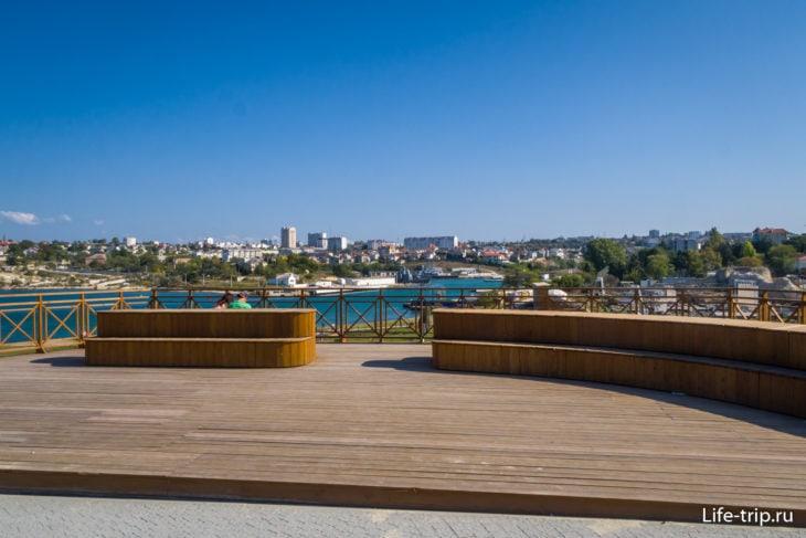 Смотровая площадка с видом на город
