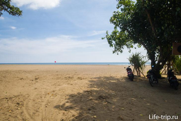 Вид на пляж Брава со стороны парковки