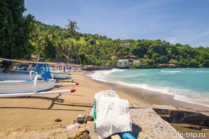 Пляж Чандидаса (Candi Dasa Beach) -  смытая красота