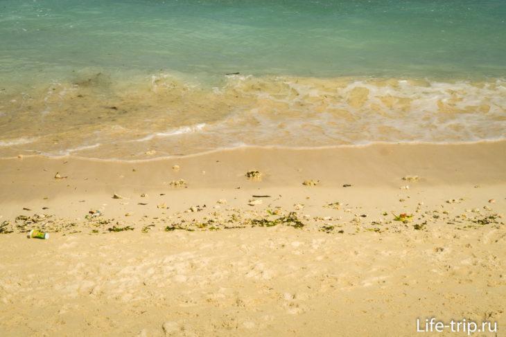 Пляж Джунгутбату (Jungutbatu Beach) на Нуса Лембонган