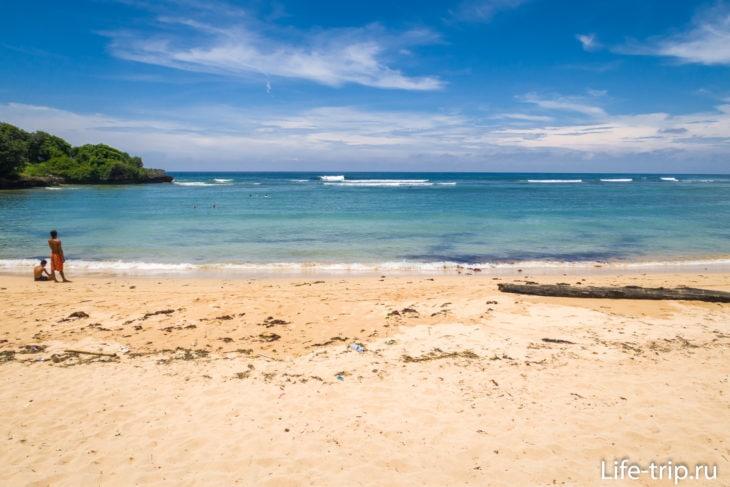 Пляж Менгиат (Mengiat Beach) - золото Бали