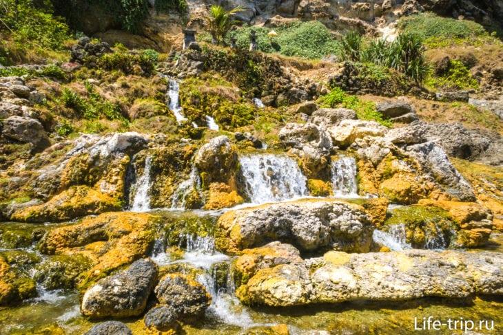 Seganing  Waterfall Nusa Penida