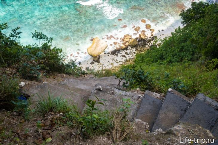 Пляж Сувехан (Suwehan Beach Penida) - 130 метров вниз
