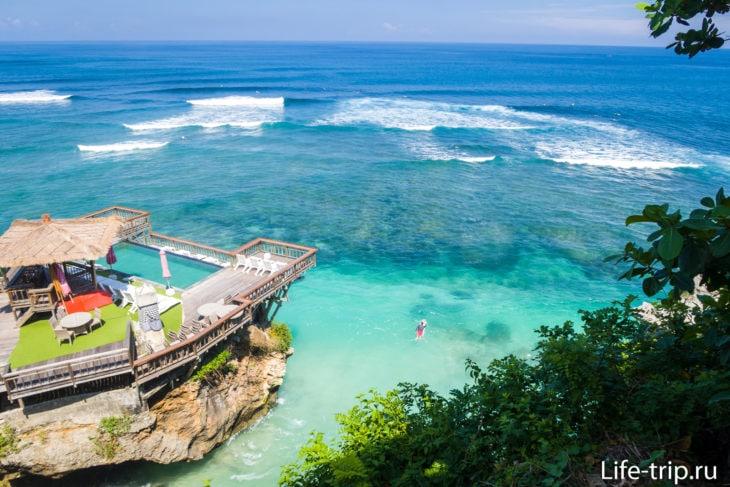Пляж Блю Пойнт на Бали