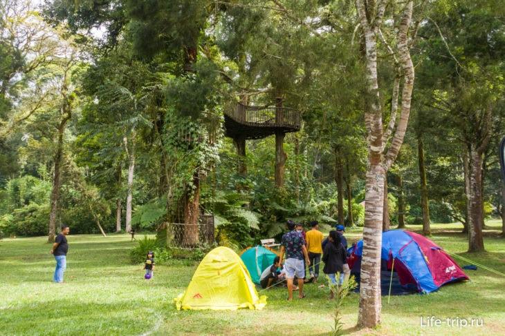 Кемпинги - очень популярный вид отдыха у индонезийцев