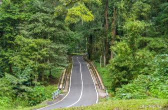 Дорога в сторону храма Batu Meringgit