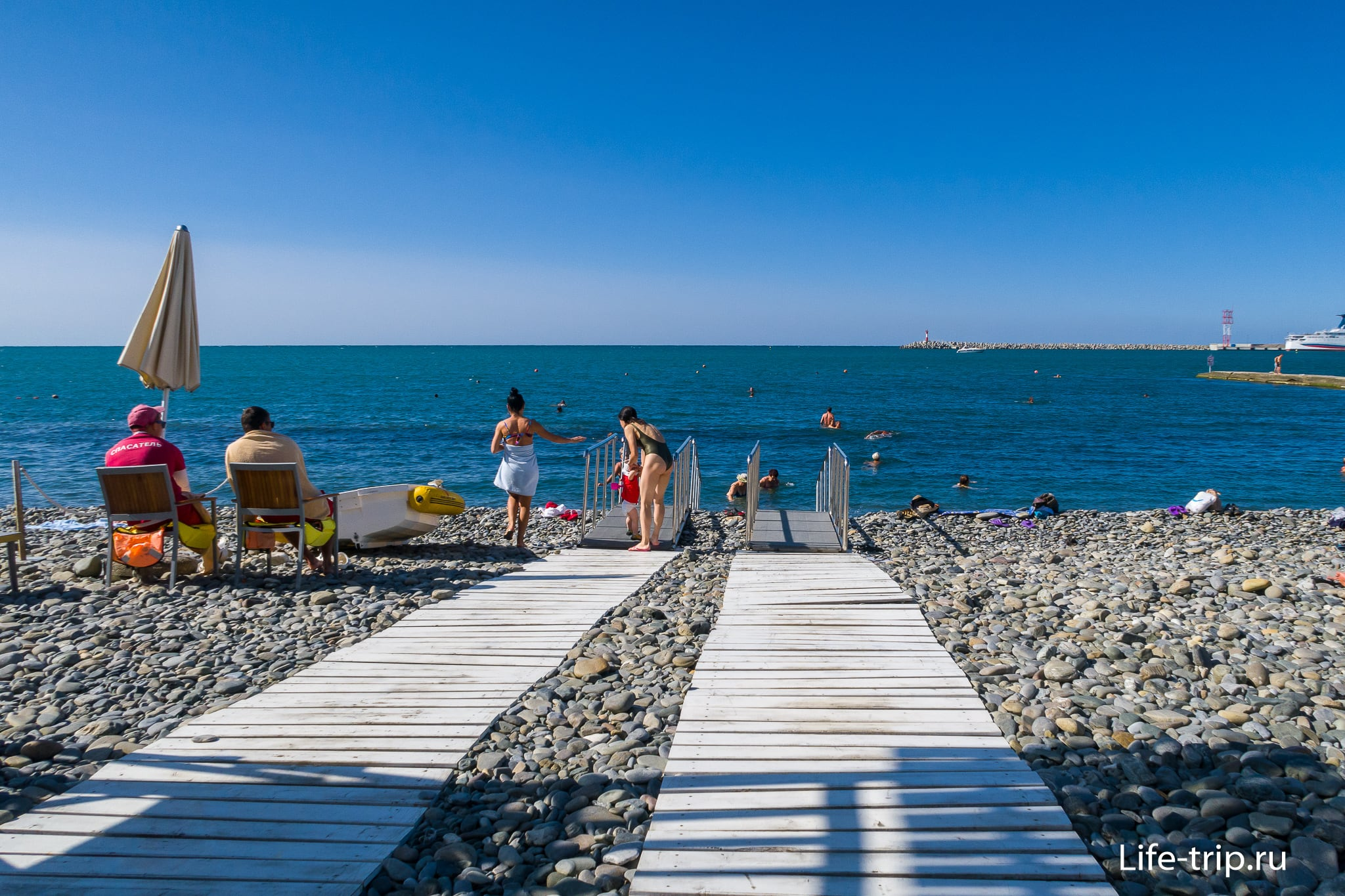 Пляж Мориса Тореза в Сочи