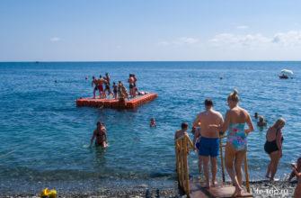 Плот-понтон для ныряния в воду
