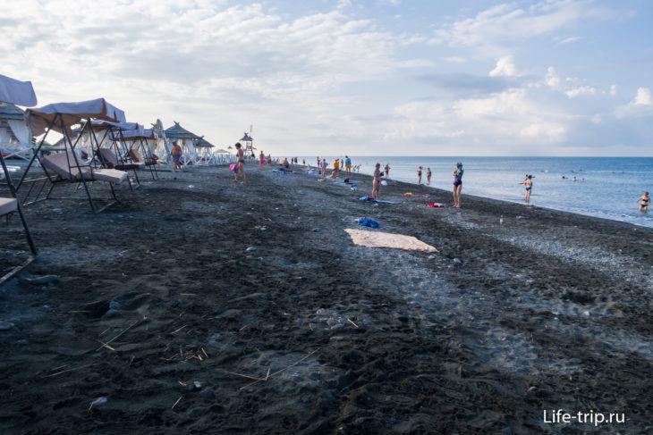Жемчужина Сочи - почти песчаный пляж в Адлере