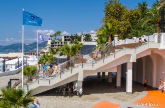 Это уже Театр Заката, начало пляжа Ривьера