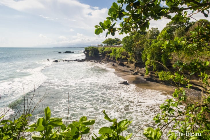 Пура Танах Лот на Бали - защитник острова