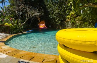 Для купания в реке берут надувные круги, одно- и двухместные.