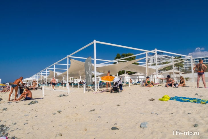 Пляж Рэдиссон Коллекшн в Сочи