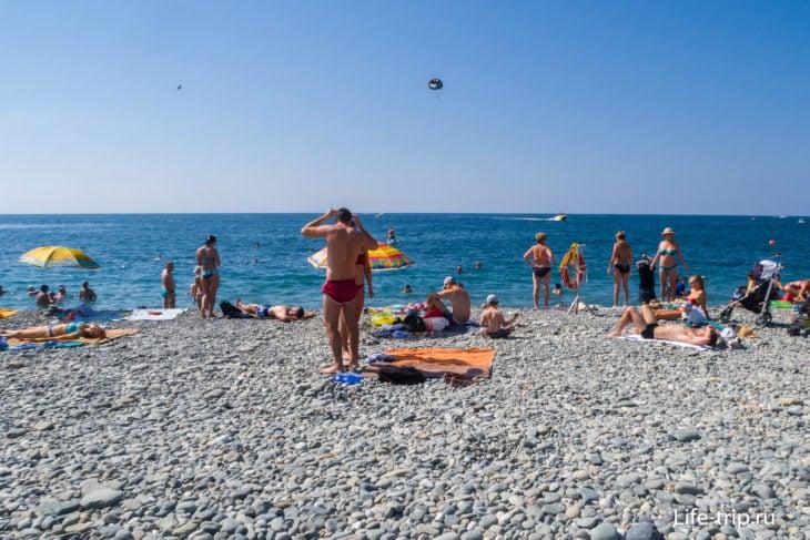 Radisson Collection - пляж с белым песком в Сочи