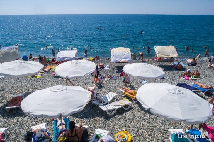 Сигма Сириус - пляж узкий, но симпатичный