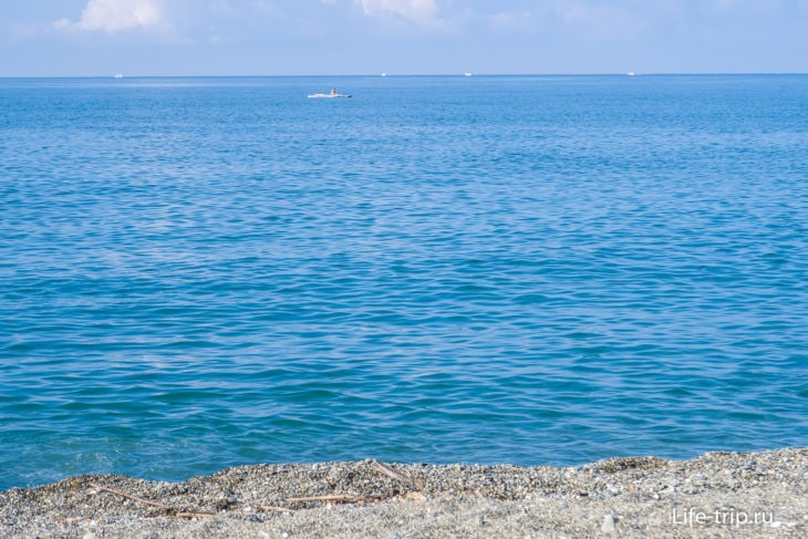 Пляж Южное Взморье в Адлере