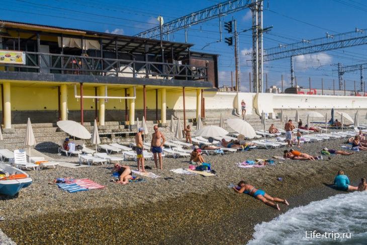 Пляж Зеленая Горка в Адлере