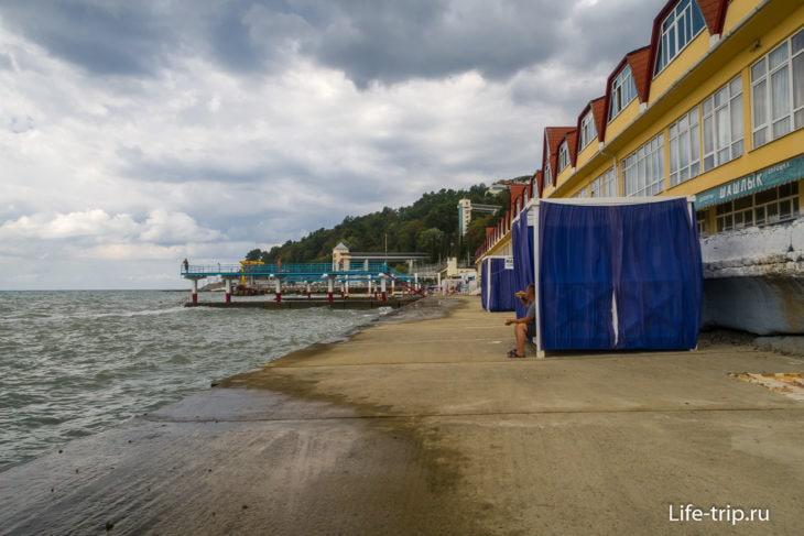 Пляж санатория Кавказ в Хосте, Сочи